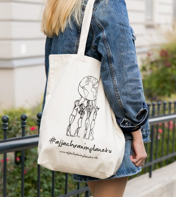 Bavlnená ekologická taška aj ja chránim biela nosenie